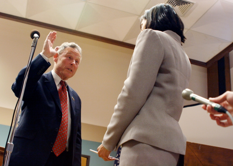 Columbia City Clerk Sheela Amin swears re-elected mayor Darwin Hindman into office on April 9, 2007. Winning more than 70 percent of the vote, Hindman won a record fifth term.